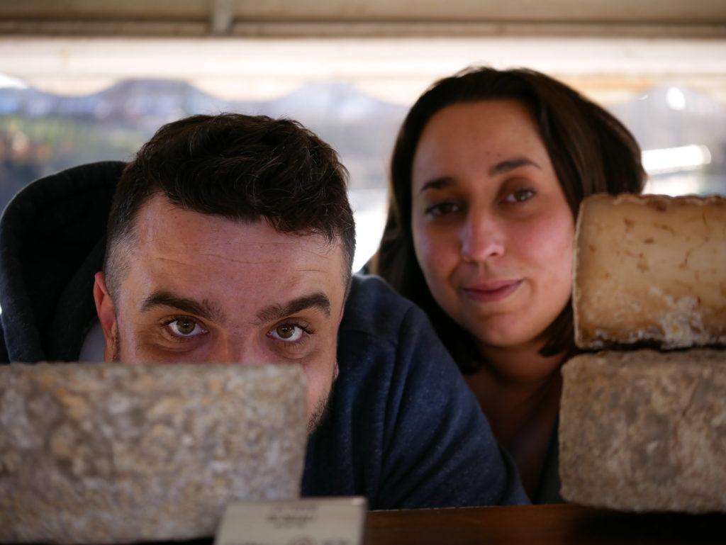 Antoine et Vanessa sur le marché